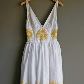Vintage SUN PRINT White Summer BACKLESS Dress (m)