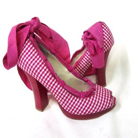 BETSEY JOHNSON - Pink Plaid Heels