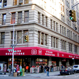 Broadway, New York - STRAND BOOK STORE
