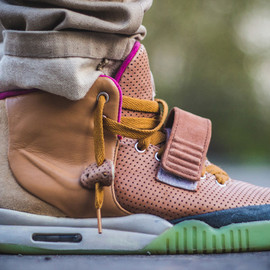 Nike - NIKE AIR YEEZY 2 CUSTOM BY MAGGI