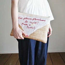 nesessaire - nesessaire(ネセセア)のMessage clutch bag(クラッチバッグ)|レッド