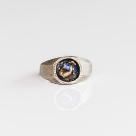 FRASER HAMILTON - SAPPHIRE POINTED RING IN SILVER AND GOLD