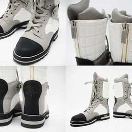 CHANEL - SNOW BOOTS