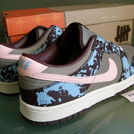 NIKE, UNDEFEATED - Dunk Low Premium ND - Mahogany Splatter/Storm Pink/Iron
