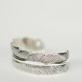 PHILIPPE AUDIBERT - Feather bangle