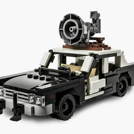 The Blues Brothers Bluesmobile LEGO Kit - The Blues Brothers Bluesmobile LEGO Kit