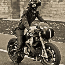 Buell - Biker Girl on Buell Cafe Racer
