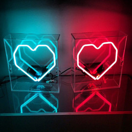 LOVE+MADE - NEON GEO HEART LIGHT BOX