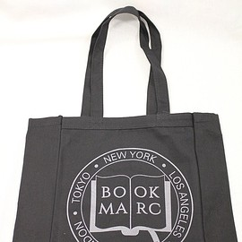 MARK BY MARK JACOBS - 【BOOKMARC】COLLEGIATE BOOKMARC TOTE(MARC JACOBS<ブックマーク>キャンバストートバッグ)
