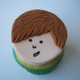 Justin Bieber cupcake - well done @Life Teen International