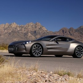 Aston Martin - oNE-77 (Officially & Finally)