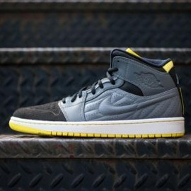 Nike - NIKE AIR JORDAN 1 RETRO '99 COOL GREY/VIBRANT YELLOW-BLACK