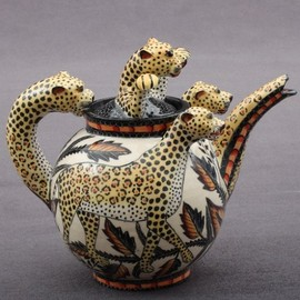 Sondelani Ntshalintshali Painter - Leopard Tea Pot Sculptor; Lovemore