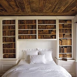 Built-in bookshelf headboard
