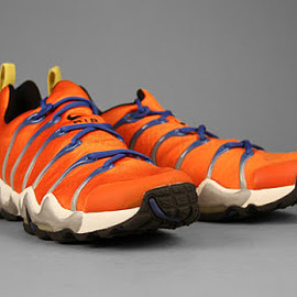 Nike - AIR ZOOM SEISMIC (Orange)