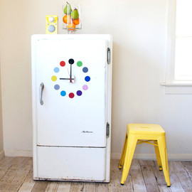 tinchDesignStudio - Magnetic fridge clock Multicolour dots design