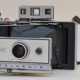 POLAROID -  LAND CAMERA MODEL 355