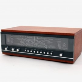 Bang & Olufsen (B&O) >>> BRICKS - Beomaster 900