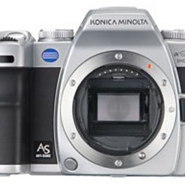 Konica Minolta - α Sweet DIGITAL Silver