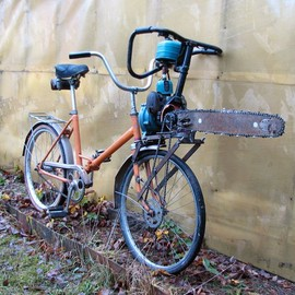Insane Russian Attack Bike is Powered by a Chainsaw