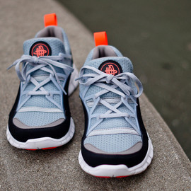 Nike - Nike Free Huarache Light