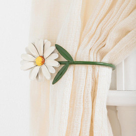 urban outfitters - Daisy Curtain Tie-back