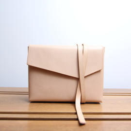 busk and bask - maar / wrap clutch-case