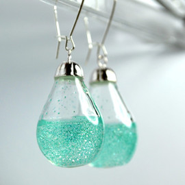 the studio8 - Shimmer Water Long Drop earrings