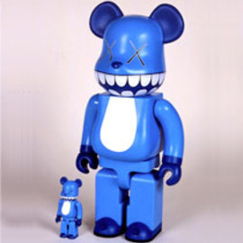 "MEDICOM TOY -  a-nation×KAWS BE@RBRICK""CHOMPERS""100% & 400%"