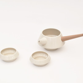 Muzz Design - Novela tea set