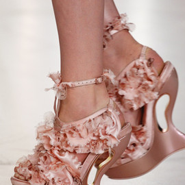 Alexander McQueen - ruffled shoes S/S 2012