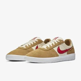 NIKE SB - Team Classic - Golden Beige/Light Cream/White/University Red