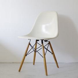 Herman Miller - DSW by Charles & Ray Eames