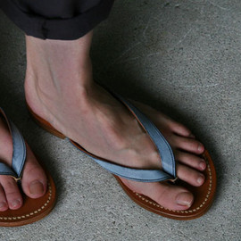 ARTS & SCIENCE - leather beach sandal