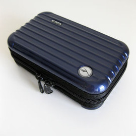 RIMOWA - lufthansa first class amenity kit