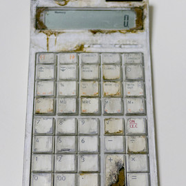 "秋葉舞子 - 100 YEARS LATER ""Electronic calculator"""