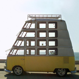 Volkswagen - Many-decker VW Van