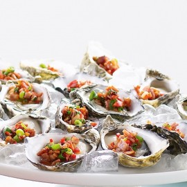 Australian - Oysters with chilli and bacon