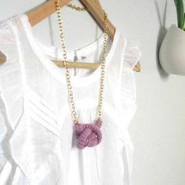 Luulla - Bonds, crochet knot necklace. Nautical knot. Lavender cotton yarn