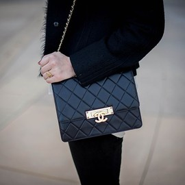 CHANEL - bag/chic style