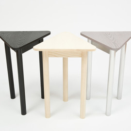 Assembly Design - Tres Table