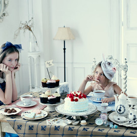 Afternoon Tea - Endless Tea Party with Alice.