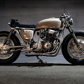 Honda - Clockwork's CB750 custom