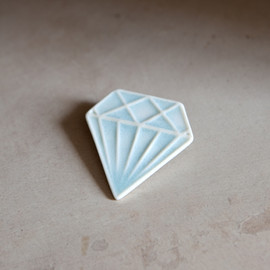 Me Me Me - Porcelain Diamond Brooch
