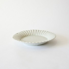 安藤雅信 - Flower dish by Masanobu Ando