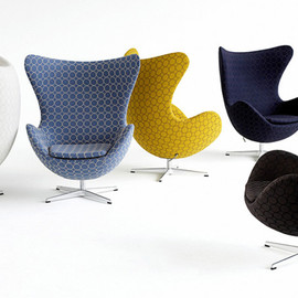 FRITZ HANSEN - minä perhonen × EGG chair