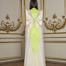 GIVENCHY - Spring 2011 Couture