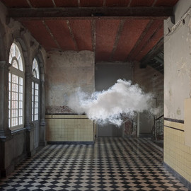 BERNDNAUT SMILDE - Indoors clouds