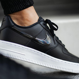 "NIKE - Nike Air Force 1 Low ""Black Iridescent"