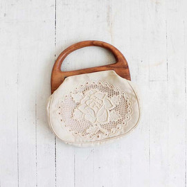 Vintage 70s Ivory Cotton Cut Out Lace Purse with Wood Handle